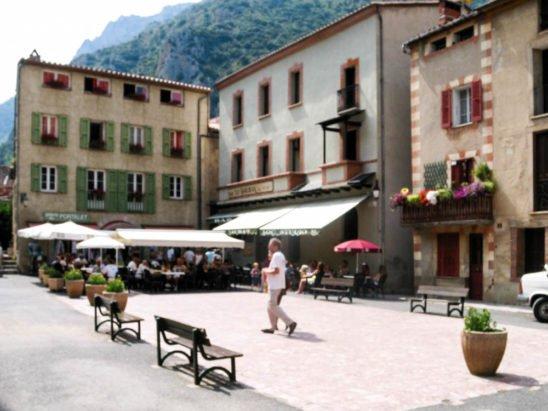 Viajar de carro França Villefranche de Conflent-Suíça – Viagem Europa