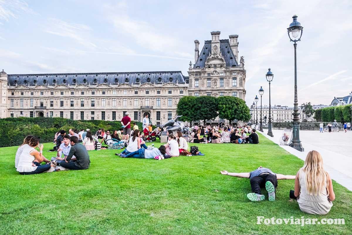visitar paris jardim tuileries louvre