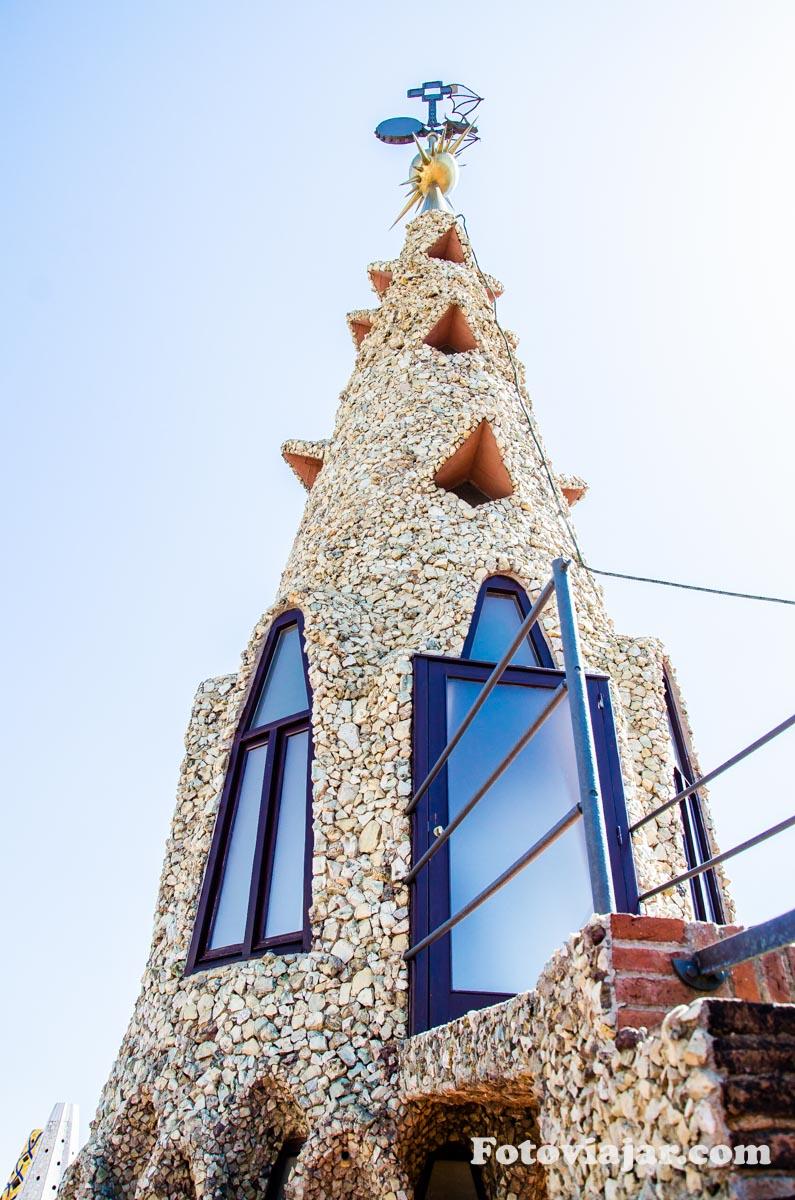 palau-guell-barcelona-telhado