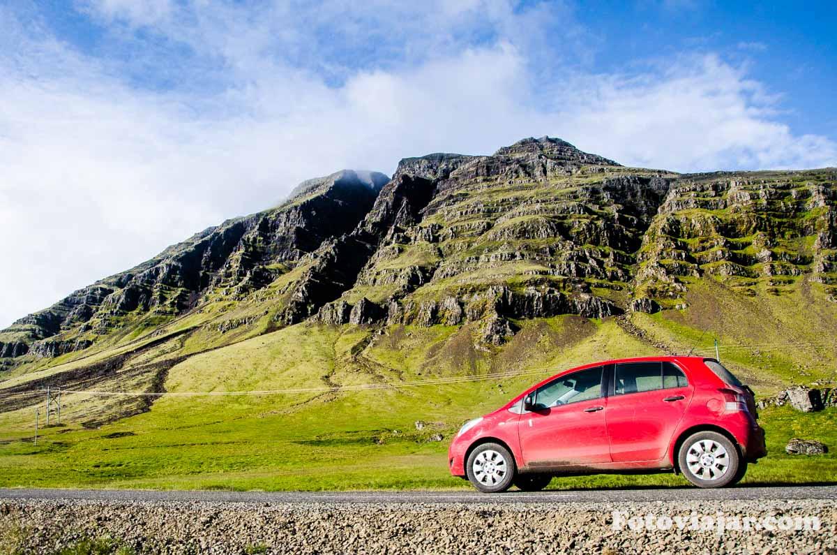 alugar carro islandia