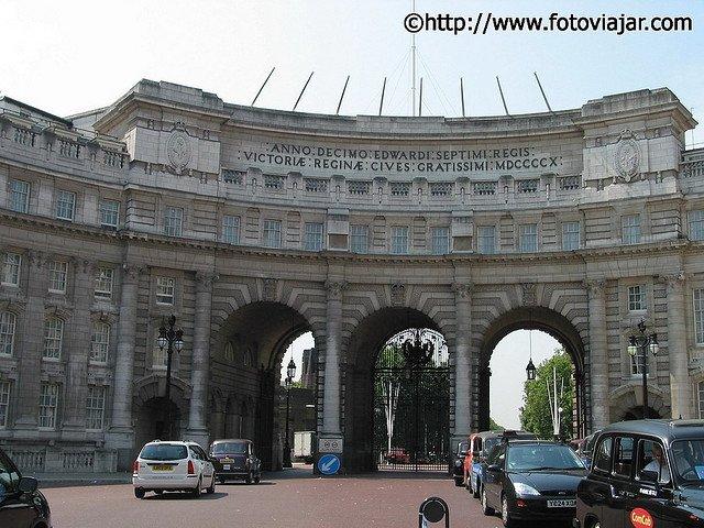 Admiralty Arch visitar Londres roteiro guia