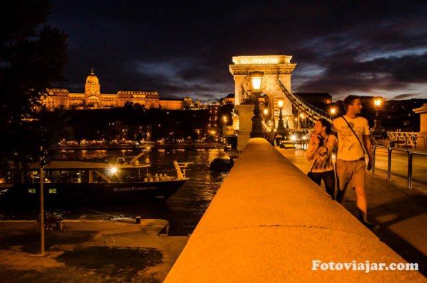budapeste pontes danubio noite