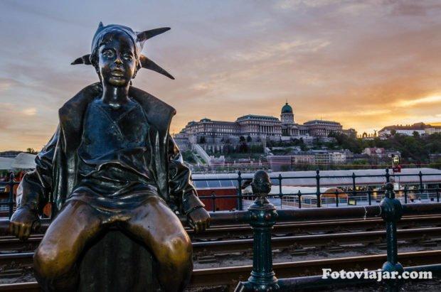 ver budapeste estatua pequena princesa