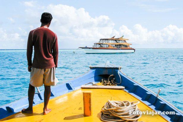 andar barco maldivas
