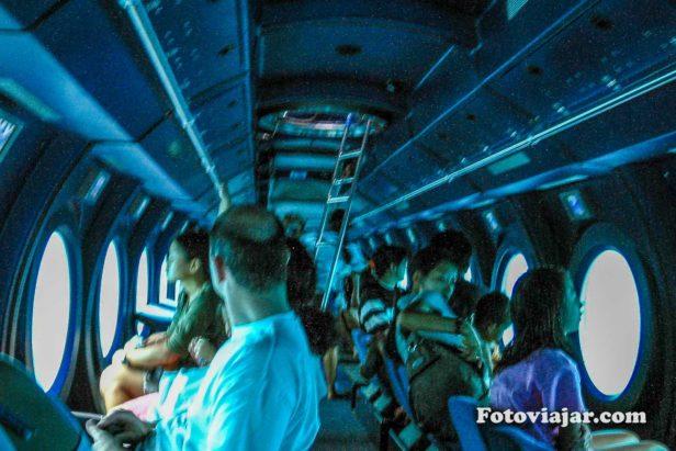 interior de um submarino baleia maldivas